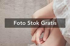 gadis kaus kaki gambar kaki 183 pexels 183 foto stok gratis