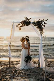 Beach Wedding Photo Albums Planning A Beach Wedding You Ll Want To Copy Every Detail