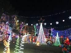 Christmas Lights In Fayetteville Ar Amazing Show Of Lights In Fayetteville Stewart Family