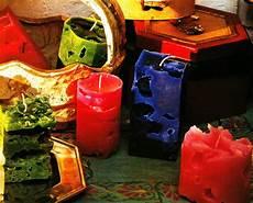 candele strane candele natalizie donna fanpage