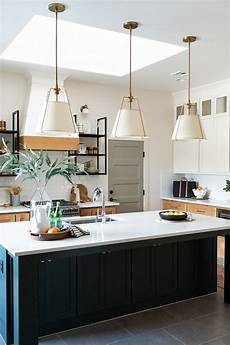 buy large kitchen island kitchen island with three pendants size how many pendants