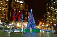 Park In Philly With Lights Tonight Picks Philadelphia S Official Christmas Tree