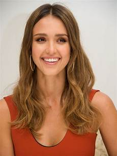 frisuren ovales gesicht lange haare best hairstyles for oval faces 10 flattering haircuts