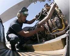 Airplane Mechanic File Us Navy 100812 N 8479c 001 Hief Aircraft Structural