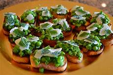 the sizzling spoon crostini appetizers