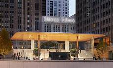 Design First Chicago Macbook Roofed Apple Store Opens On Chicago S Riverfront