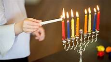 How To Light The Menorah And Hanukkah How To Celebrate Hanukkah At Home My Jewish Learning