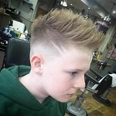 coole frisuren für jungs ab 16 frisuren f 252 r 16 j 228 hrige jungs yskgjt