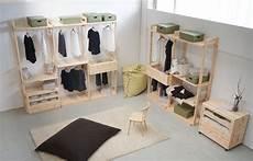 cassettiere per cabina armadio modello cirmolo cabina armadio realizzata in legno