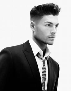 männer frisuren pomade herrenfrisuren seiten kurz