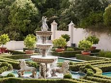 fountain italian renaissance garden hamilton gardens