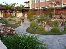temple neighborhood garden mouse house musings gardens in nocal