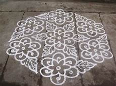 Color Kolam Designs With Dots Rangoli Designs Kolam 21 11 Pulli Kolam Interlaced Dots