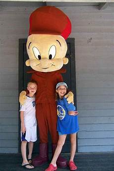 Six Flags Characters Meeting Looney Tunes And Dc Comics Characters At Six Flags