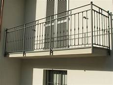 ringhiera balcone prezzi top ringhiere balconi per esterni ue15 pineglen