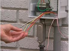 HOW TO WIRE THE ELECTRIC CONTROLLER FOR A SPRINKLER SYSTEM