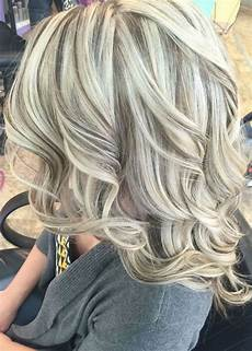 frisuren aschblond mittellang trendy hair color cool with lowlights platinum