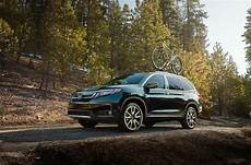 the 2018 vs 2019 honda pilot price and review 2019 honda pilot gets a slight price bump new styling and