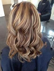 frisuren braune haare mit blonden strähnen 20 atemberaubende braune haare mit blonden str 228 hnen