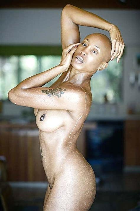 Naked Female Mixed Wrestling Boxing Bloody