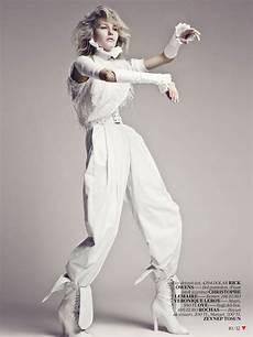 white fashion editorial for vogue turkey april 2013 9