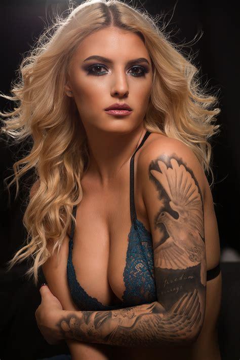 Paola Rey Non Nude