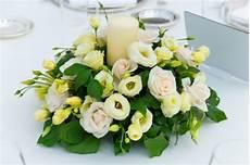 centrotavola matrimonio con candele e fiori centrotavola per il matrimonio con fiori e candele 10