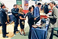 What To Take To A Job Fair Career Fair Tips Lucareerservices To Go