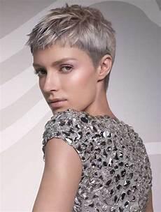kurzhaarfrisuren frauen schneiden kurzhaarschnitte f 252 r graue haare 10 frisuren