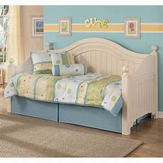 Cottage Retreat Bedroom Set Cottage Retreat Day Bed Bedroom Set By Signature Design By