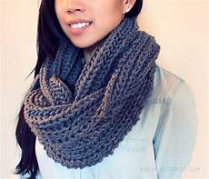 purllin textured november infinity scarf free pattern