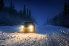 Snow Lights Car How To Drive In The Snow All The Equipment And Tips You