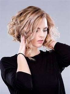 bilder frisuren damen bob unsere top 20 lockenfrisuren platz 7