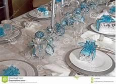 tavolo per natale tavolo da pranzo di natale decorato in immagine stock