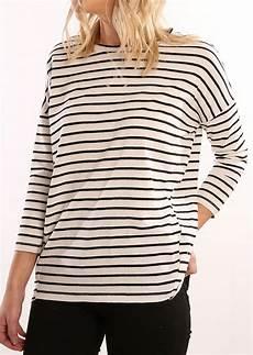 3 quarter sleeve shirts untucked striped three quarter sleeve t shirt fairyseason