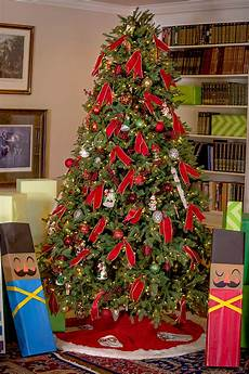 How To Wrap A Large Tree With Christmas Lights Diy Christmas Tree Soldier Gift Wrap And Giveaway Balsam