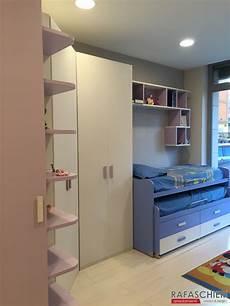 letti con scrivania cameretta con cabina armadio scrivania e letti scorrevoli