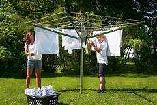outdoor clothes drying line clothesline