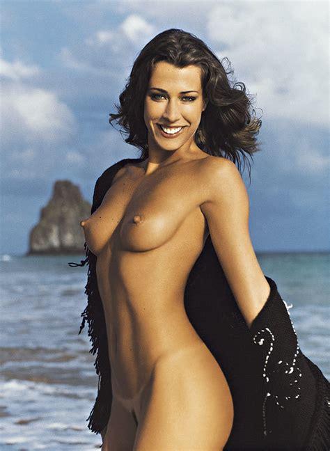Gina Mantegna Naked