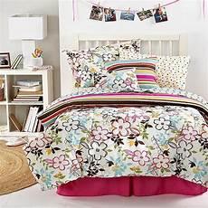 sanders abigail xl 8 comforter bed in a
