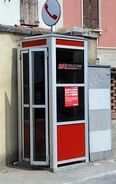 messaggi da cabina telefonica news addio alle cabine telefoniche sostituite da hotspot