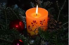 composizioni candele composizioni natalizie con candele 5 idee originali per