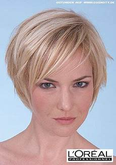 neue kurzhaarfrisuren blond kurzer stufen bob mit blonden highlights frisuren