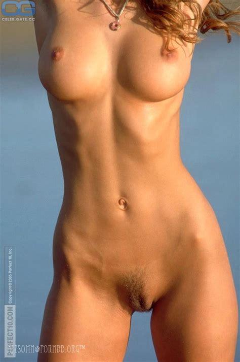 Ina Naked News