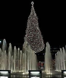 Mayor S Christmas Tree Lighting Kansas City America S Tallest Christmas Trees Articles Travel