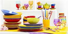 piatti e bicchieri di plastica colorati excelsa buntes f 252 r die k 252 westwing