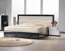 Modern Headboard Lacquered Refined Quality Platform And Headboard Bed
