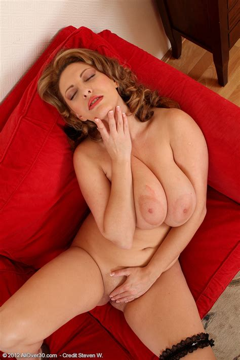 Juliette Frette Nude Pics