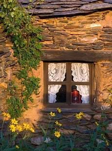 fioriere per davanzale finestra t 237 tulo nel 2019 finestre rustiche porte finestre