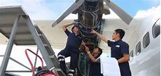 Airplane Mechanic How Long Does It Take To Be An Airline Mechanic Wcc